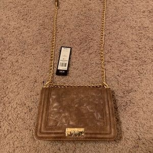 BCBG CROSSBODY PURSE( NEW) with tags